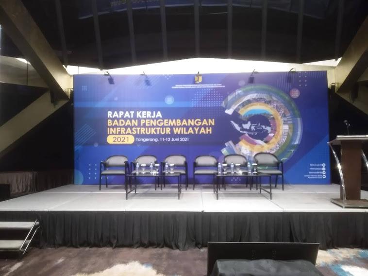 backdrop talkshow